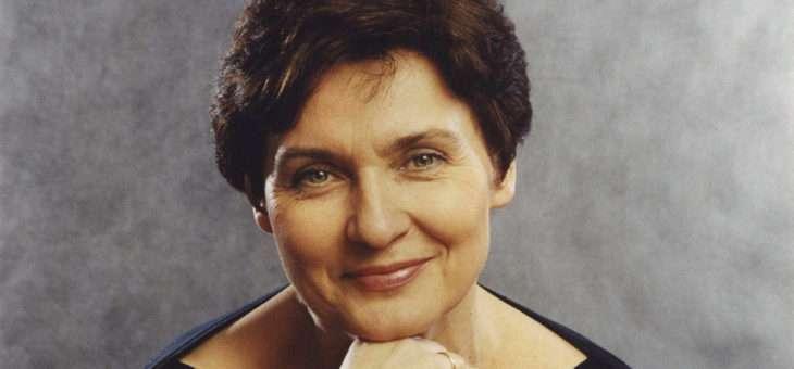 Larissa Dedova, piano